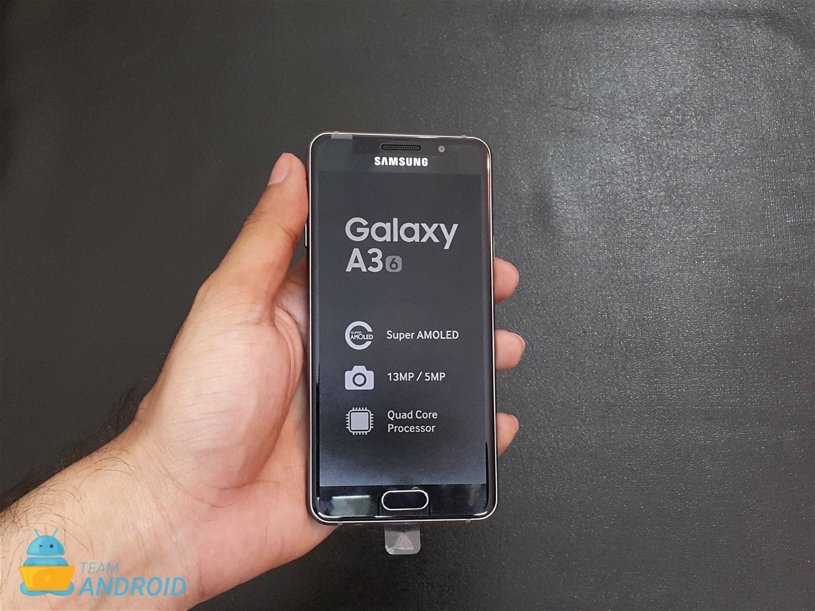 samsung galaxy a3 and galaxy a5 2016 unboxing pictures