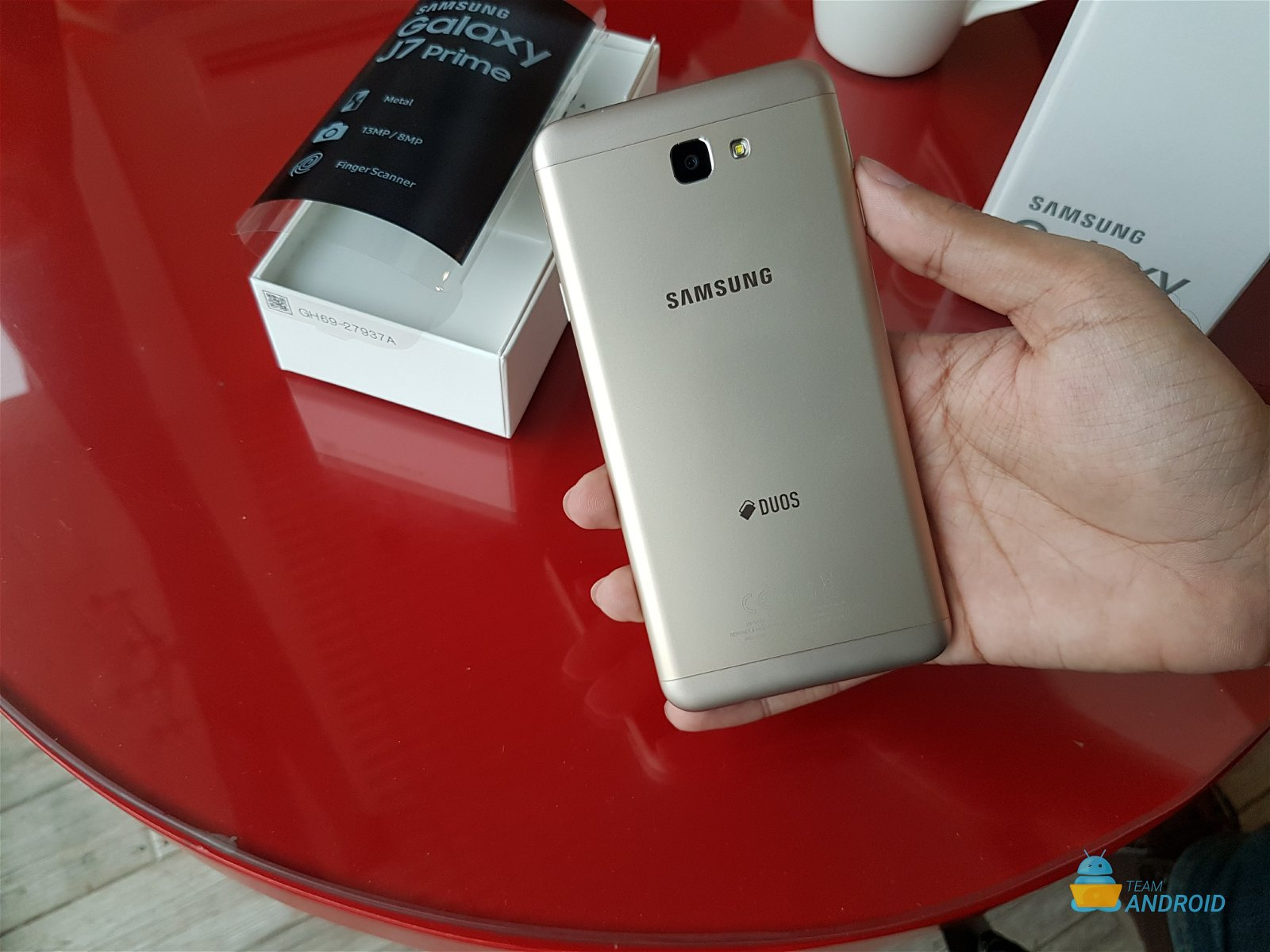 Samsung Galaxy J7 Prime: Unboxing and First Impressions
