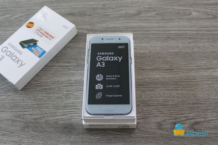Samsung Galaxy A3 2017: Unboxing and First Impressions 11