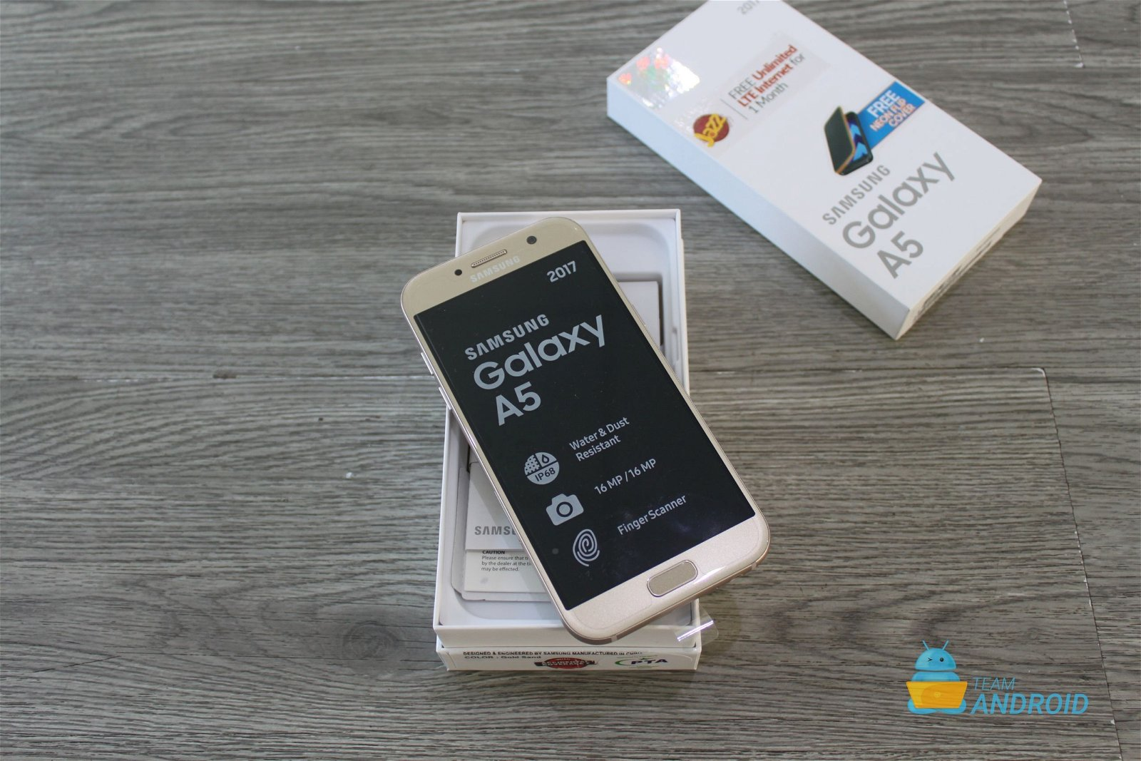 Samsung Galaxy A5 2017: Unboxing and First Impressions 13