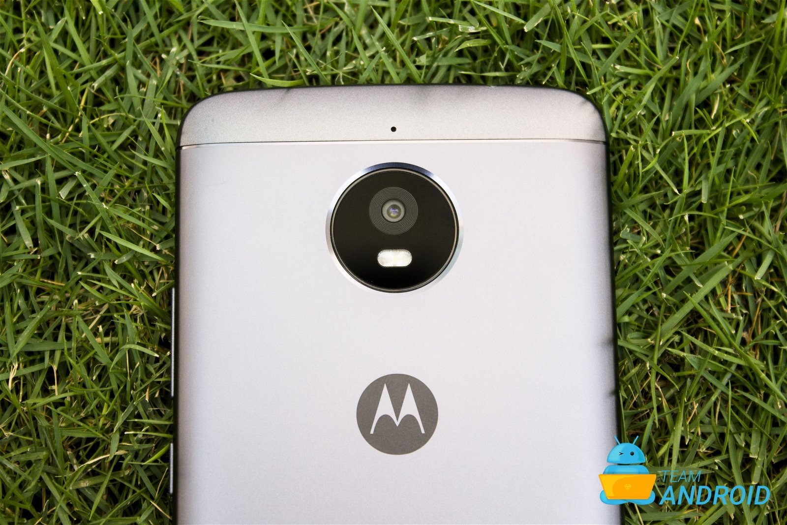 Download, Install TWRP on Moto / Motorola Devices 1