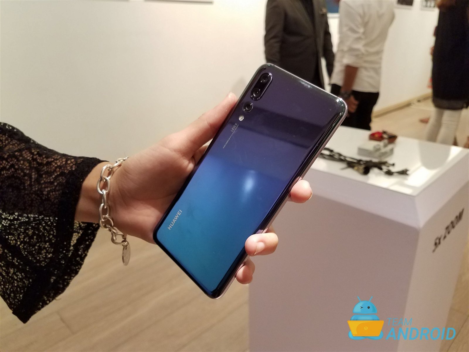 How to Enable Dark Mode on Huawei P20 Pro 4