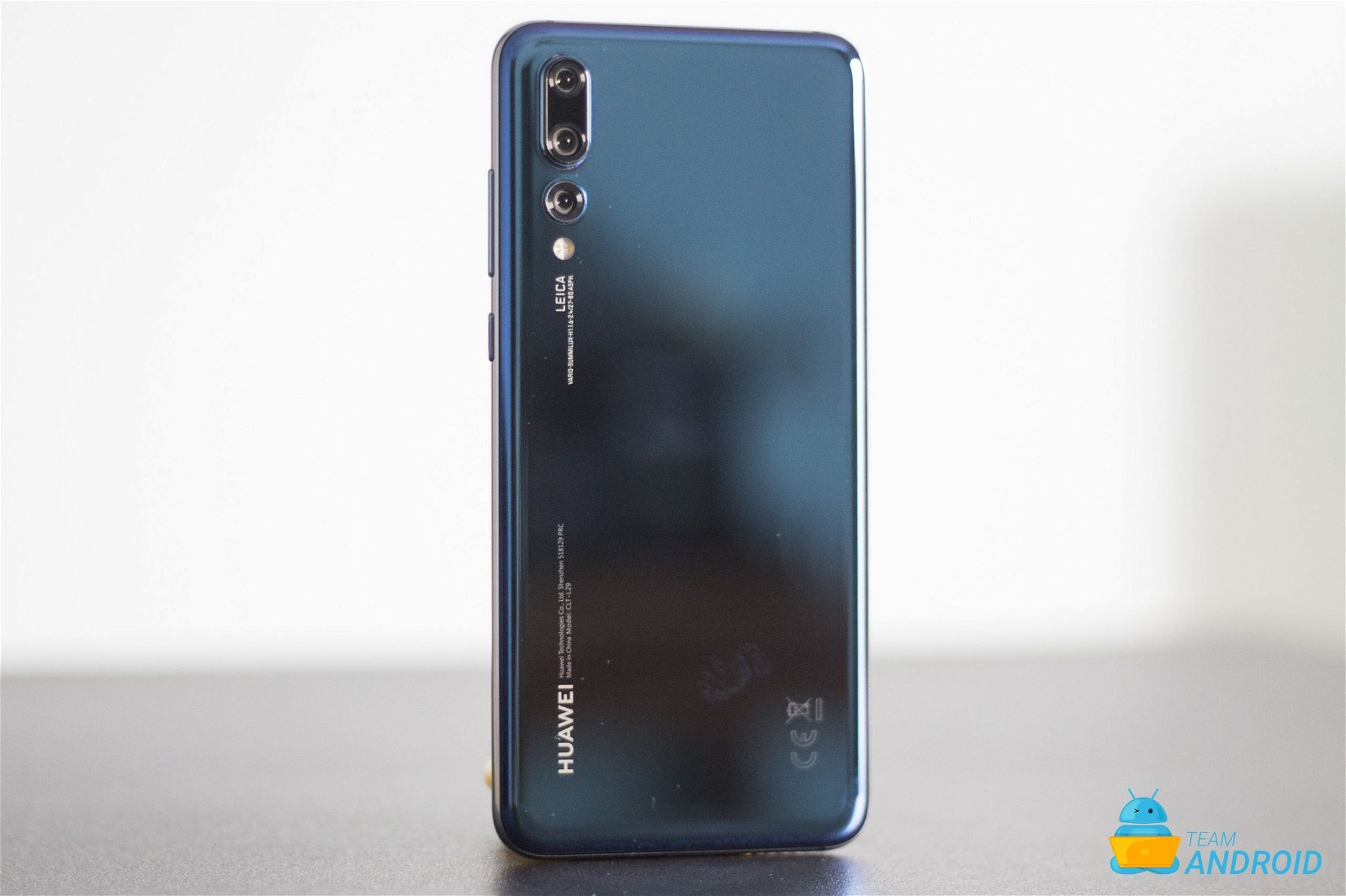 Disable Google Assistant and Google Feed on Huawei P20 Pro 1