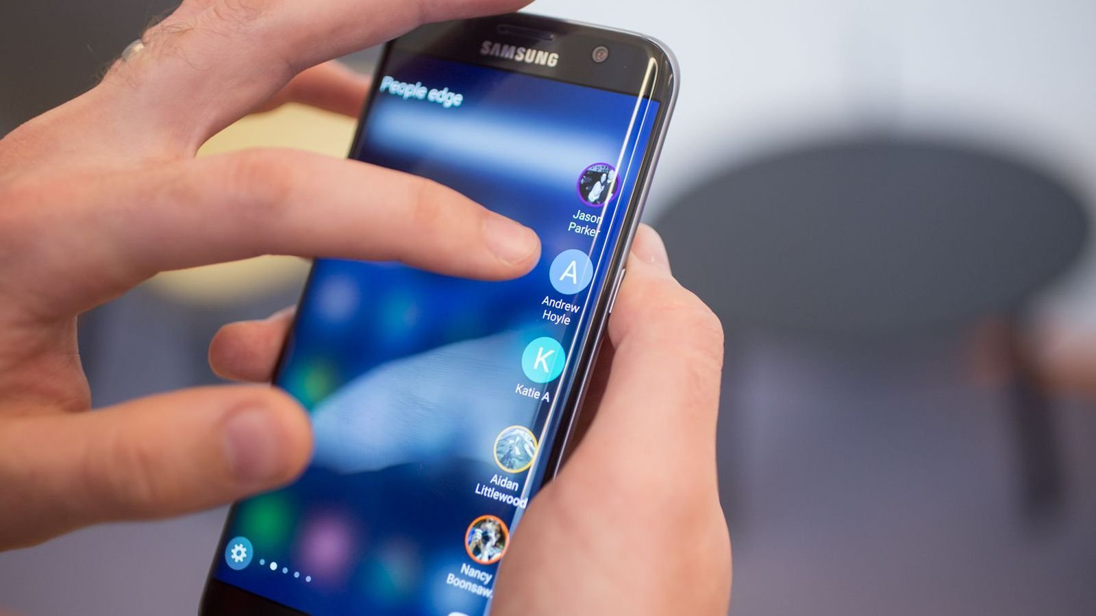 Install Samsung Galaxy Edge Screen Feature on Any Android Phone 1