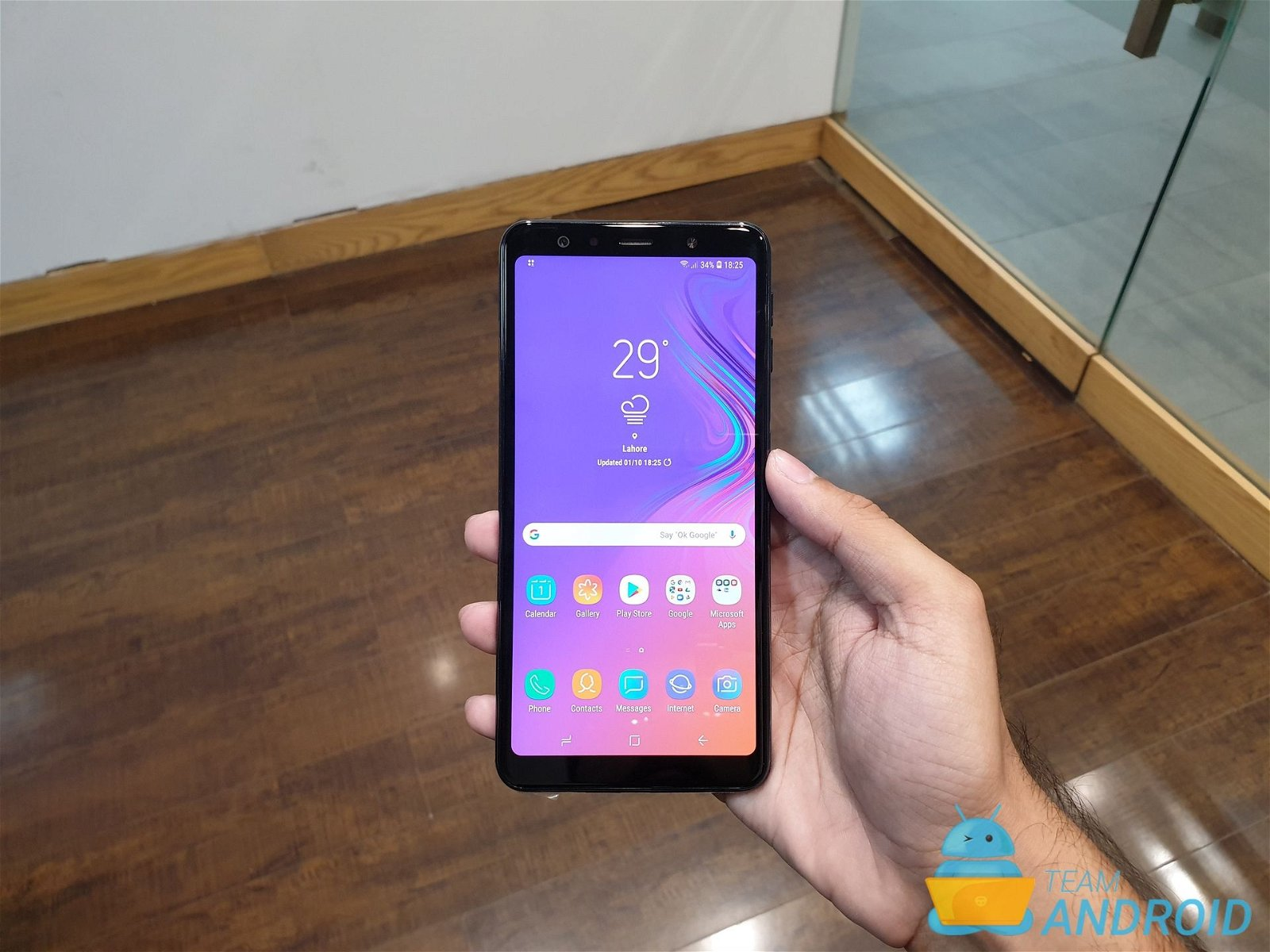 Samsung Galaxy A7 (2018) Hands-On: Review, Pictures, Video