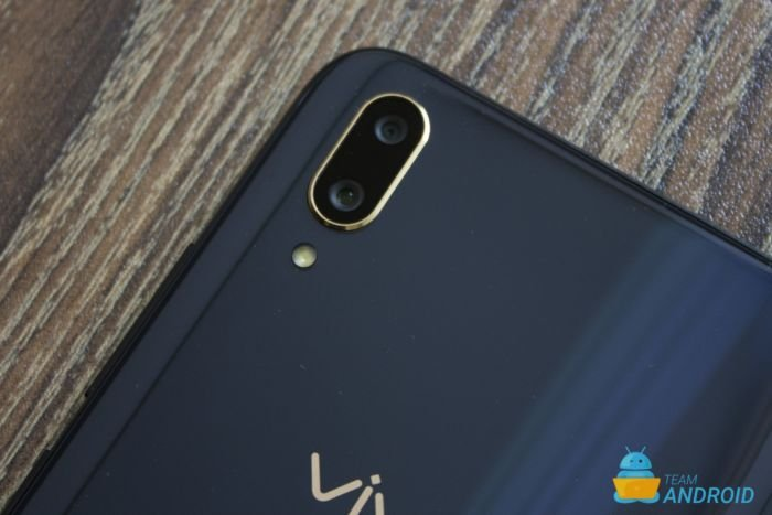 Vivo V11 Pro Review - Fastest Face Unlock, In-Display