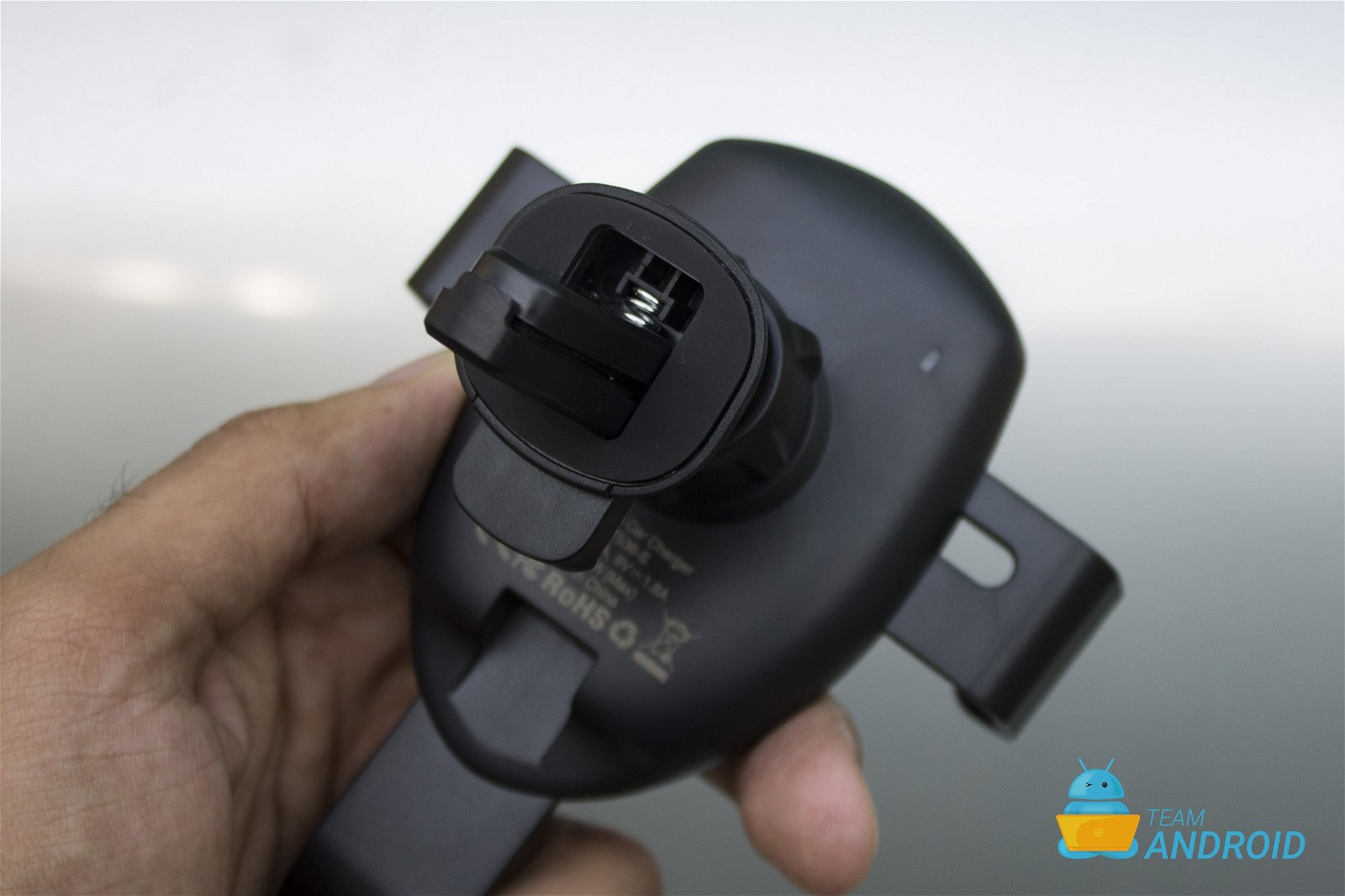 Choetech Fast Wireless Car Charger Review 7