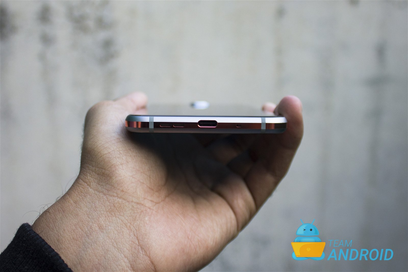 Nokia 8.1 Review - Premium Android One Phone 14