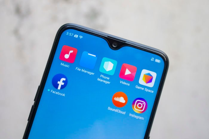 Hide Notch on Realme 2 Pro