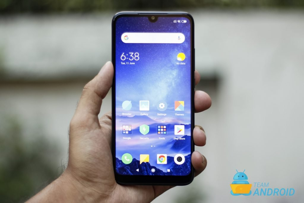 Xiaomi Redmi 7 Review - MIUI 10 Experience on a Budget