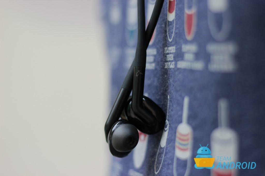Libratone Track+ Review: Active Noise Cancellation Wireless Earphones 13